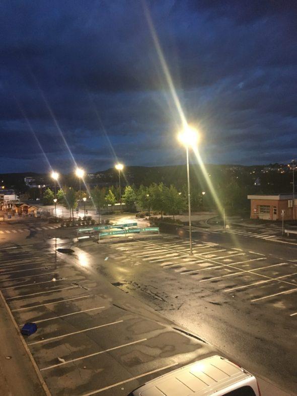 Oversiktsbilde over parkeringsplassen til obs