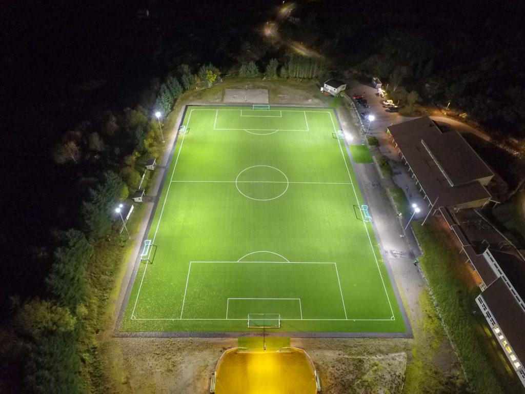 Dronebilde som viser atløy stadion på oversiden