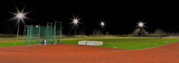 LED-Flomlys over idrettsanlegg