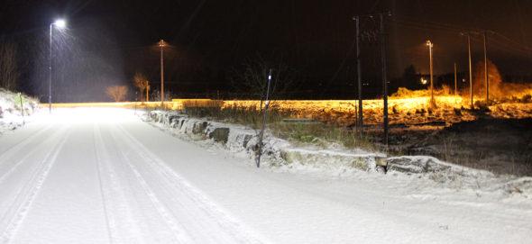 LED-Gatelys i aksjon sammenlignes med normale gatelys